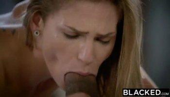 Brunette pregnant chick receives three schlongs