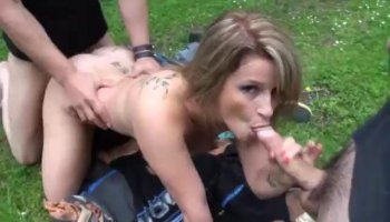 Claudia gets hardcored at work