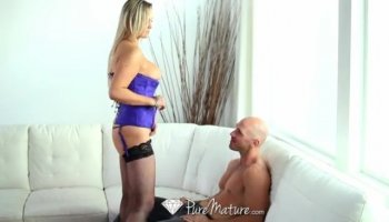 Mad blonde hottie sucking and hard fucking huge cock with juicy pussy