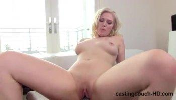 Busty, oiled slut Skyla Novea does a good blowjob