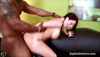Laura Araujo:Laura's Bareback Gangbang