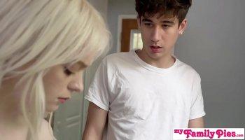 Mika Nakagawa sensual babe deals cock in amazing ways
